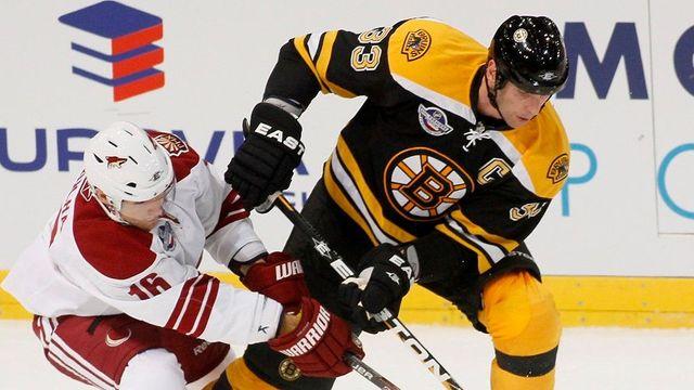 Nová sezona NHL začne letos v Praze, v úvodním zápase si nejspíš zahrají i Češi